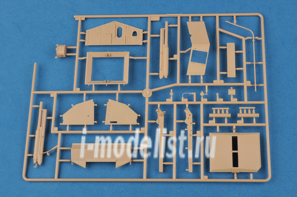 83858 hobbyboss 1 35 french saint chamond heavy tank early. Black Bedroom Furniture Sets. Home Design Ideas
