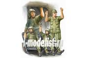 00417 Trumpeter 1/35 US Army CH-47 Crew in Vietnam