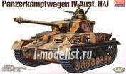 13234 Academy 1/35 Panzerkampfwagen IV Ausf.H/J