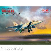 72176 ICM 1/72 Советский учебный самолет М&Г-25 РУ