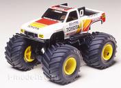 17009 Tamiya 1/32 Toyota Hi-Lux Monster Racer Jr. с электромоторчиком (серия 4WD, джипы с большими колесами). Собирается без клея.