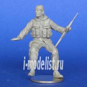 Mcf35162 MasterClub 1/35 Soviet soldier sitting on the APC-70. Afghanistan