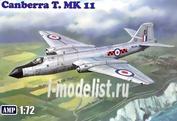 AMP 72004 1/72 Aircraft E. E. Canberra T. Mk 11
