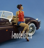 NS-F24001p North Star 1/24 Girl sitting on the hood (painted)