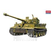 13264 Academy 1/35 Tiger I без интерьера