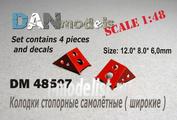 DM48507 DANmodel 1/48 ФТД колодки стопорные самолетные 4 шт + декаль с номерами