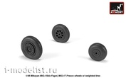 AW48033 Armory 1/48 set of wheel extensions for MiG-15bis Fago (late) / MiG-17 Fresco wheels with weighted tires