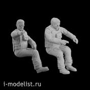 Im32001 Imodelist 1/32 Набор фигур (2 шт.) Пилоты, сидящие в кабине