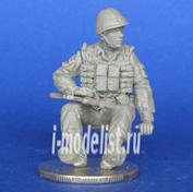 Mcf35166 MasterClub 1/35 Soviet soldier sitting on the APC-70. Afghanistan