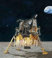 03701 Revell 1/48 Подарочный набор Apollo 11 Lunar Module Eagle (В набор входят: клей, краски, кисть).