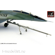 ACA7269 Armory 1/72 Аэродромный буксир к самолету ОКБ Микоян тип 29