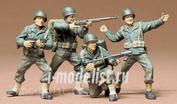 35013 Tamiya 1/35 Амер. пехотинцы в атаке 8 вид.оруж. 4 фигуры.