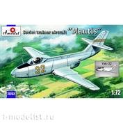 72232 Amodel 1/72 Самолет Як-32 Mantis