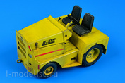320 060 Aires 1/32 UNITED TRACTOR GC-340/SM340 tow tractor (dual mounting)