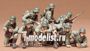 35061 Tamiya 1/35 Немецкий танковый десант в действии 8 фигур