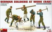 35065 MiniArt 1/35 Немецкие солдаты за работой