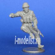 Mcf35165 MasterClub 1/35 Soviet soldier sitting on the APC-70. Afghanistan