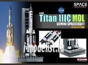 56232 Dragon 1/400 Ракета Titan IIIC Mol с пусковыми площадками