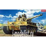 13239 Academy 1/35 Tiger I Wwii Tank