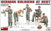 35062 MiniArt 1/35 Немецкие солдаты на отдыхе
