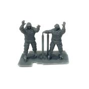 im72005 Imodelist 1/72 Фигуры бойцов, укладывающих маскировочную сеть, зима